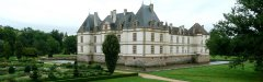 Autocars_Morey_Voyages-Chateau_de_Cormatin.jpg